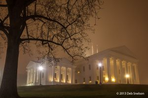 Virginia State Capitol at Night in Fog Richmond city.jpg