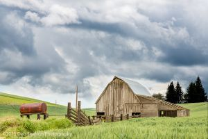 Barn stormy sky Endicott Palouse Washington.jpg