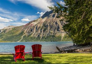 Canada Waterton Lakes and red chairs.jpg