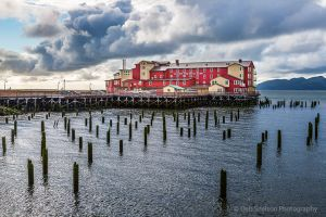 Cannery Pier Hotel Astoria Oregon.jpg