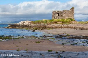 McCarthy Mor Castle in Ballinskelligs Ivernagh Ring of Kerry Ireland.jpg