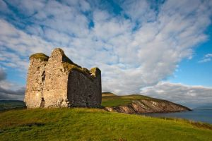Minard Castle Dingle Kerry Ireland.jpg